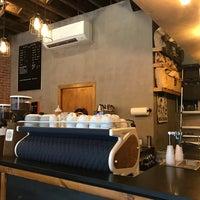 Foto scattata a Birch Coffee da moth il 9/12/2017