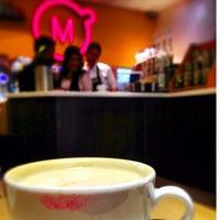 Foto tomada en Momentto Café 100% Colombiano por Ariadna C. el 9/16/2013