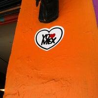 Снимок сделан в Tacos Gus пользователем Magda G. 6/15/2012