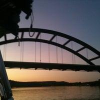 Снимок сделан в 360 Bridge (Pennybacker Bridge) пользователем Whitney B. 8/4/2011