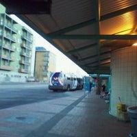 Das Foto wurde bei Sun Tran Ronstadt Transit Center von Junxiao S. am 10/22/2011 aufgenommen