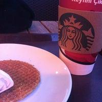 Foto scattata a Starbucks da Ufuk il 1/8/2012