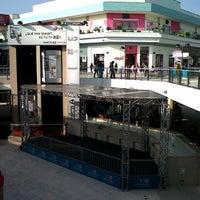 Photo prise au CC Plaza San Miguel par Carlos C. le7/23/2012