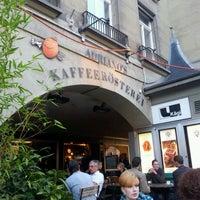 Photo prise au Adriano's Bar & Café par Yuri L. le9/22/2011