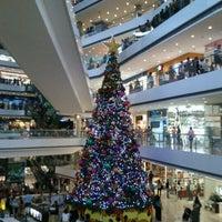 Foto tirada no(a) Millennium Mall por rosa n. em 12/27/2011