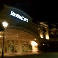 Foto scattata a River City Casino da Phil G. il 1/4/2012