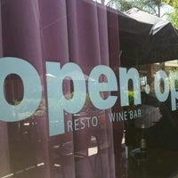 Das Foto wurde bei Open Café & Wine Bar von Martín G. am 12/3/2011 aufgenommen
