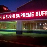 5/29/2012にAmeen B.がHibachi Sushi & Supreme Buffetで撮った写真