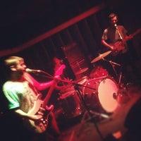 Photo prise au Soda Bar par Keaton O. le7/10/2012