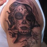 Снимок сделан в Rivington Tattoo пользователем Ethan M. 9/10/2012