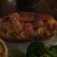 Das Foto wurde bei Bait & Hook Seafood Shack von Stephanie A. am 9/10/2012 aufgenommen