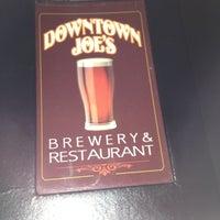 Foto tirada no(a) Downtown Joe's Brewery & Restaurant por Anthony T. em 4/20/2012