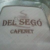Foto tomada en Cafenet del Segó por Richard N. el 6/18/2012