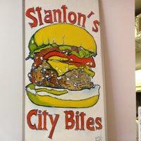 รูปภาพถ่ายที่ Stanton's City Bites โดย Summer เมื่อ 2/11/2012