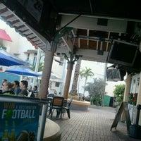 Foto tomada en Bru's Room Sports Grill - Delray Beach por Neourbano T. el 12/29/2011