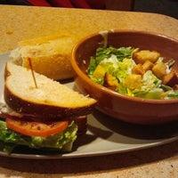 Photo prise au Panera Bread par Manisha S. le4/2/2012