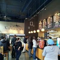 รูปภาพถ่ายที่ Yellow Dot Cafe โดย dan s. เมื่อ 10/21/2011