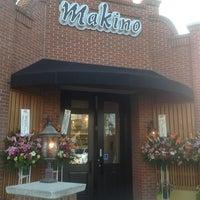 Foto tirada no(a) Makino sushi and seafood buffet por Chung em 4/16/2012