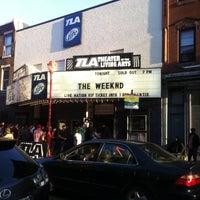 4/29/2012 tarihinde Narzan A.ziyaretçi tarafından Theatre of the Living Arts'de çekilen fotoğraf