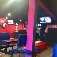 Foto tomada en Monster Pizza por María F. el 1/11/2012