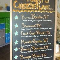 Photo prise au Houston Dairymaids par Nicole B. le4/14/2012