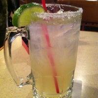 Foto tomada en La Parrilla Mexican Restaurant por Mary M. el 2/26/2012