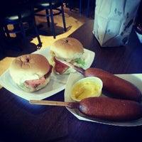 9/12/2012にAnna L.がCool Dog Cafeで撮った写真