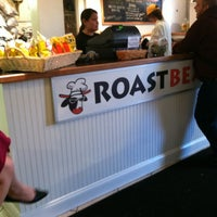Foto tomada en Roast Beast por Micah W. el 5/5/2012