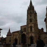 Foto tomada en Catedral San Salvador de Oviedo por María G. el 7/11/2012