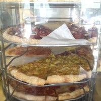 Photo prise au Abbot's Pizza Company par Sungnam Y. le5/6/2012