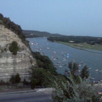 Снимок сделан в 360 Bridge (Pennybacker Bridge) пользователем Drolley R. 7/5/2012