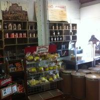 6/9/2012にRashad S.がJ.P. Graziano Groceryで撮った写真