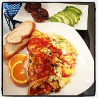 Foto tomada en Blue Daisy Cafe por Leyla J. el 8/3/2012