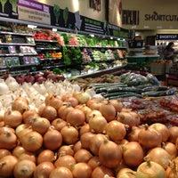 Das Foto wurde bei Whole Foods Market von Carlo L. am 4/15/2012 aufgenommen