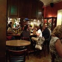 3/18/2012にRene I.がHank's Querétaroで撮った写真