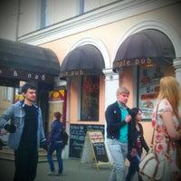 Снимок сделан в Simple Pub пользователем Denis Y. 4/25/2012
