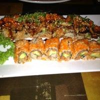 3/24/2012 tarihinde Joe M.ziyaretçi tarafından Planet Sushi'de çekilen fotoğraf