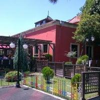 Photo prise au Ristorante Bella Vista Bahçeşehir par Yavuz Ş. le7/15/2012