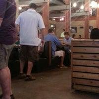 Das Foto wurde bei Tyler's Restaurant & Taproom von Jebronis K. am 7/24/2013 aufgenommen