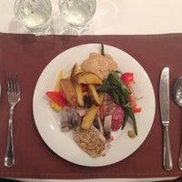 1/2/2014 tarihinde Murat K.ziyaretçi tarafından Slovianskyi restaurant'de çekilen fotoğraf