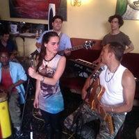 Das Foto wurde bei Café Floréo von InBrussels J. am 7/17/2013 aufgenommen