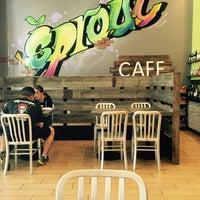 Foto tomada en Sprout Cafe por yash el 4/4/2016
