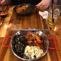 Das Foto wurde bei Bing Go Korean Cafe von Mario B. am 7/28/2018 aufgenommen