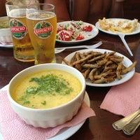 Foto scattata a Капаните (The small seafood restaurants by the beach) da Elena L. il 7/13/2013