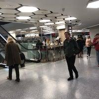 Foto diambil di West One Shopping Centre oleh Richard M. pada 4/28/2018