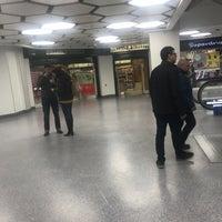 Foto diambil di West One Shopping Centre oleh Richard M. pada 3/30/2018