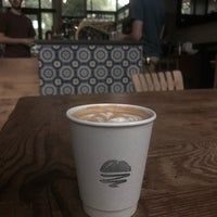 Foto tomada en Mañana Coffee & Juice por Ben M. el 9/3/2018