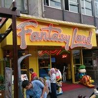 9/20/2013にCan K.がFantasyland Oyun Merkezi & Coffeeで撮った写真