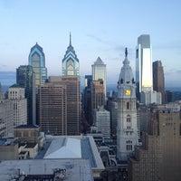 6/8/2013 tarihinde Christopher E.ziyaretçi tarafından Loews Philadelphia Hotel'de çekilen fotoğraf