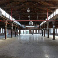 Foto diambil di Knockdown Center oleh Knockdown Center pada 7/7/2013